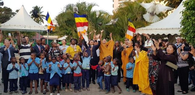 Cộng đồng người Việt tại Mozambique tổ chức Đại lễ Phật Đản Vesak 2019 - 4