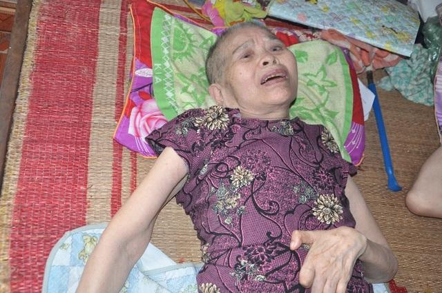 Lay lắt cảnh 2 ông bà cùng nằm liệt giường, sống trong đói khổ - 2