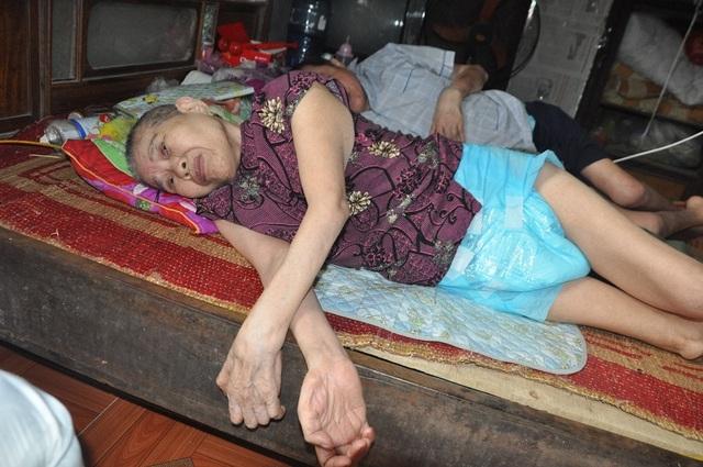 Lay lắt cảnh 2 ông bà cùng nằm liệt giường, sống trong đói khổ - 12