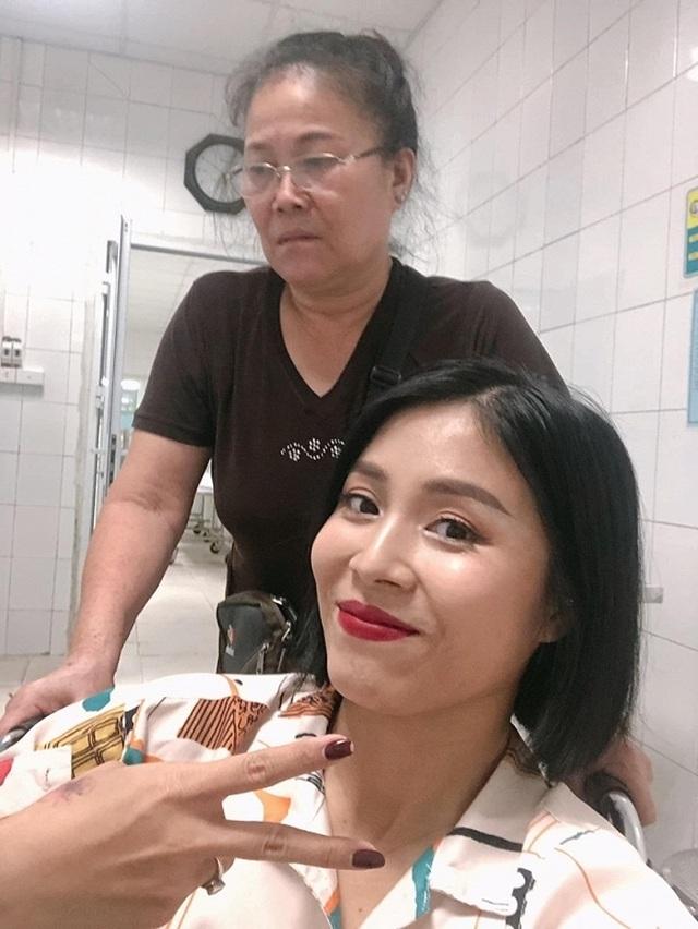 MC Hoàng Linh bị tai nạn lật ngón chân, phải nhập viện - 3