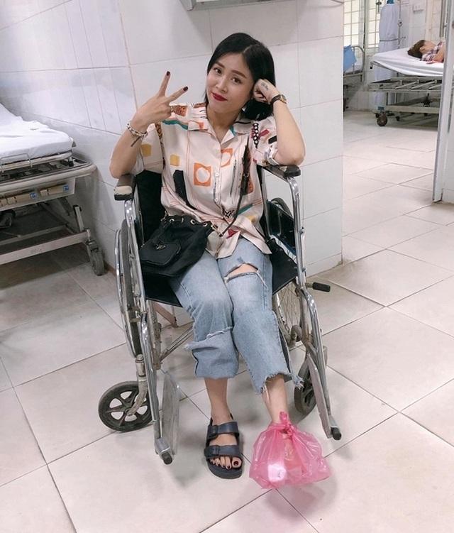 MC Hoàng Linh bị tai nạn lật ngón chân, phải nhập viện - 4