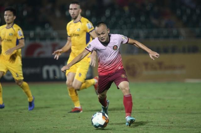 Sài Gòn FC hoà SL Nghệ An sau màn rượt đuổi tỷ số - 4