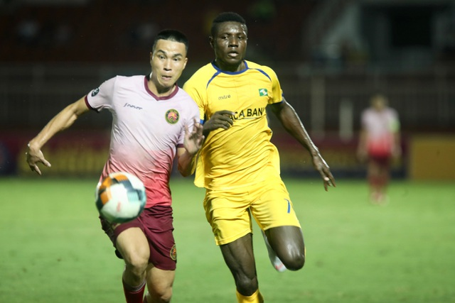 Sài Gòn FC hoà SL Nghệ An sau màn rượt đuổi tỷ số - 6