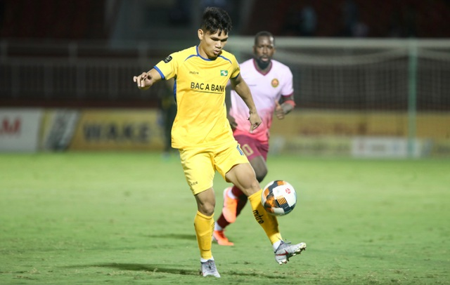 Sài Gòn FC hoà SL Nghệ An sau màn rượt đuổi tỷ số - 2