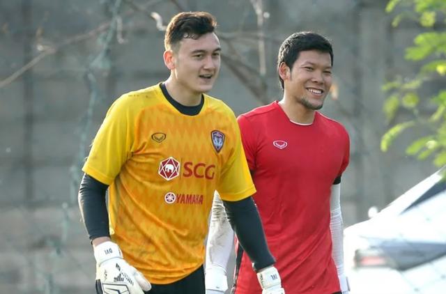 Văn Lâm hết lời khen ngợi thủ môn đội tuyển Thái Lan - 1