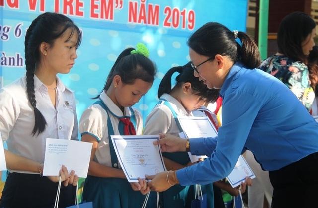 Thanh niên Bình Định góp tiền xây nhà cho hộ nghèo - 5