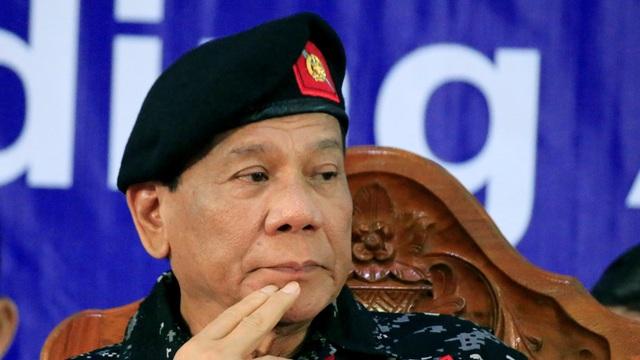 Tổng thống Philippines Duterte thừa nhận từng là người đồng tính - 1