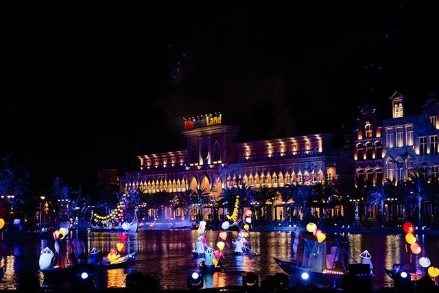 Gặp gỡ Đông - Tây trên dòng sông Hội mở màn đêm nghệ thuật tại Vinpearl Land Nam Hội An - 2