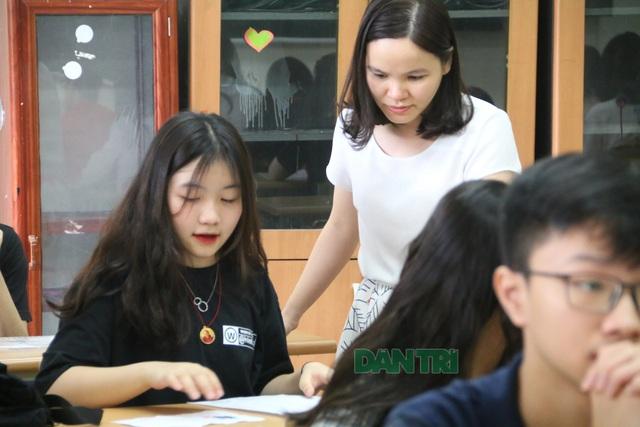 Tuyển sinh lớp 10 Hà Nội: Có 17 thí sinh trúng 5 nguyện vọng vào THPT công lập - 2