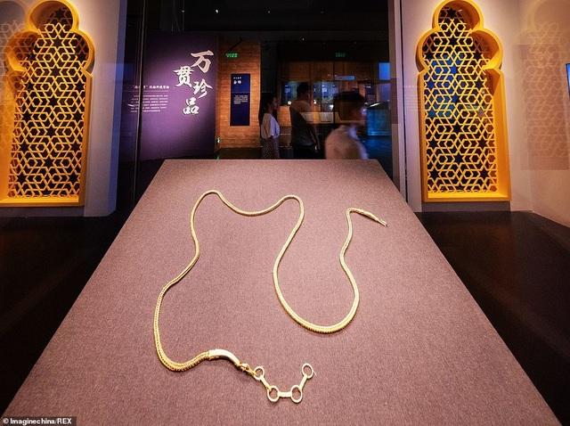 Tìm được dây chuyền vàng 800 năm tuổi trong xác tàu đắm Trung Quốc - 2