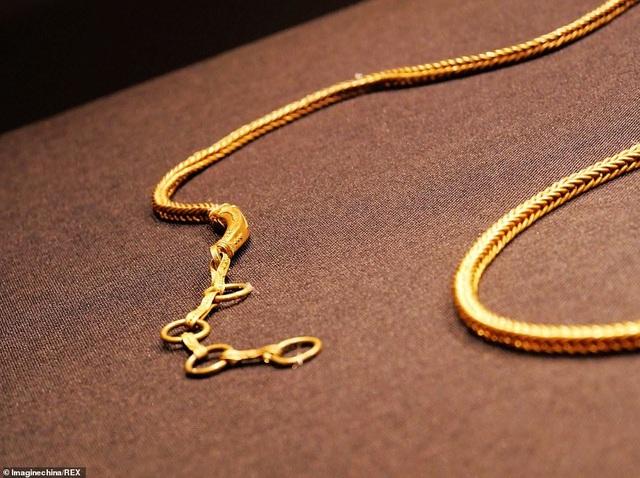 Tìm được dây chuyền vàng 800 năm tuổi trong xác tàu đắm Trung Quốc - 5