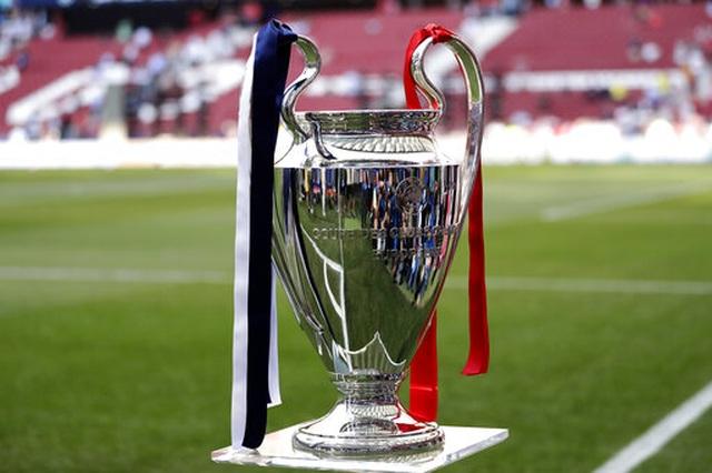 Nhìn lại chiến thắng ngọt ngào của Liverpool trước Tottenham - 1