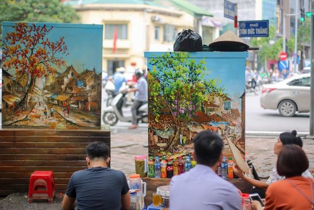 Gần 200 bốt điện ở Hà Nội biến hình đẹp như tranh - 1