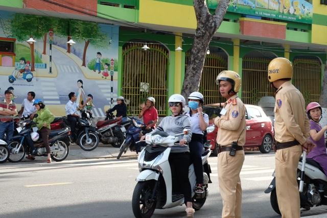 Sáng nay, gần 180.000 học sinh Hà Nội, TPHCM và Đà Nẵng thi vào lớp 10 - 5
