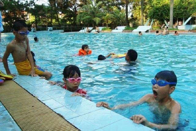 Bệnh dễ gặp khi đi bơi và cách phòng ngừa - 1