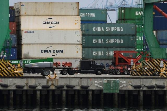 Mỹ bắt đầu tăng thuế với hàng hóa Trung Quốc đi đường biển - 1