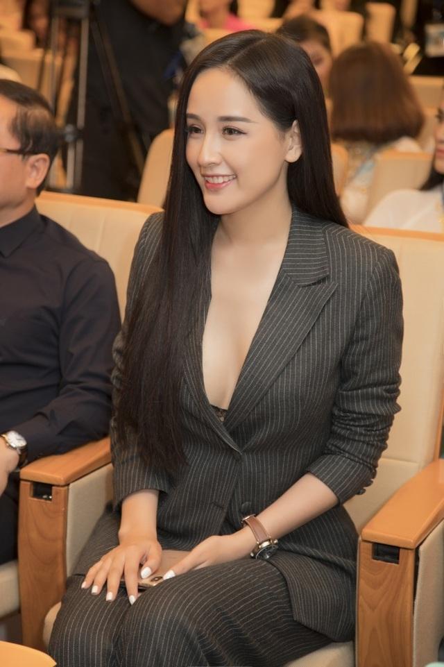 Sự trùng hợp bất ngờ giữa Hoa hậu Mai Phương Thuý, Tiểu Vy - 5