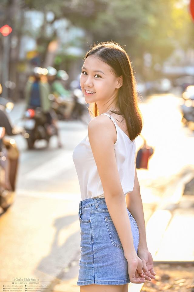 Nữ sinh THPT Trần Phú cao 1m70, dáng chuẩn người mẫu - 1
