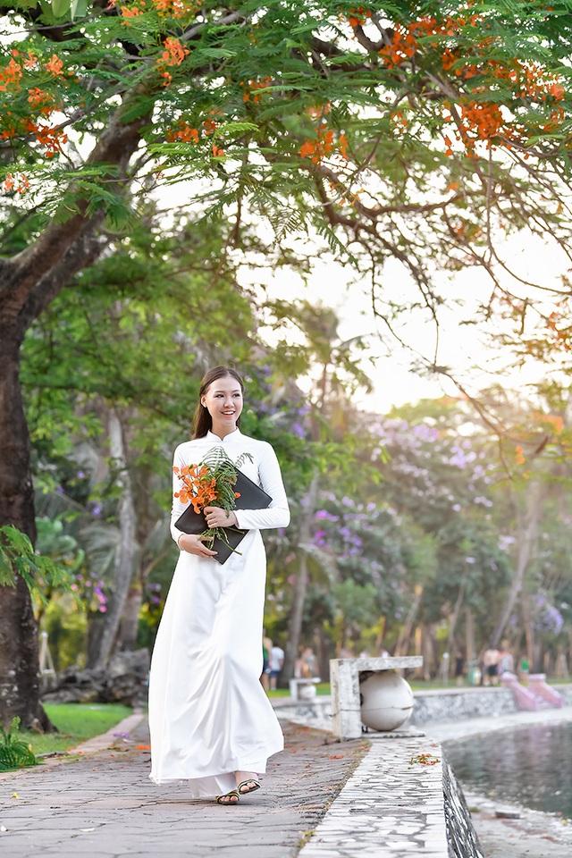 Nữ sinh THPT Trần Phú cao 1m70, dáng chuẩn người mẫu - 6