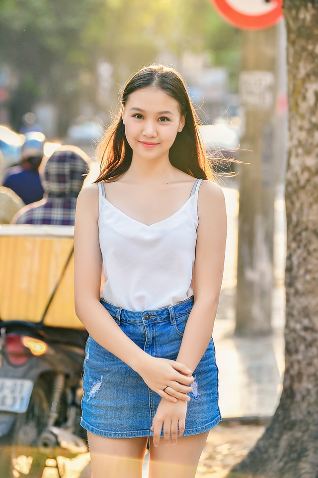 Nữ sinh THPT Trần Phú cao 1m70, dáng chuẩn người mẫu - 2