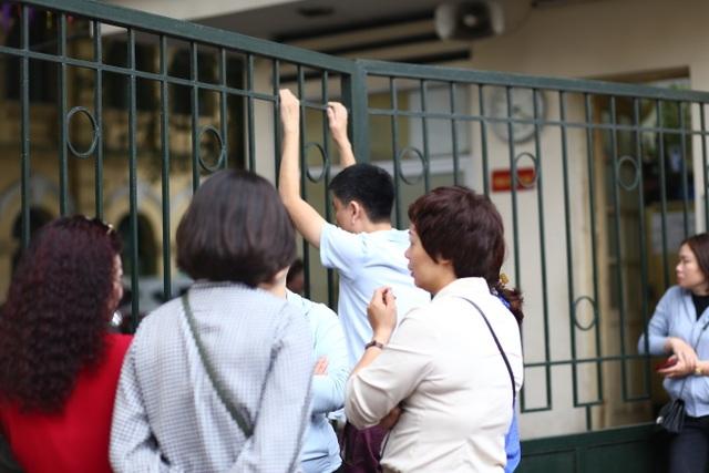Hà Nội: Ngày Chủ nhật nín thở của phụ huynh có con thi vào lớp 10 - 6