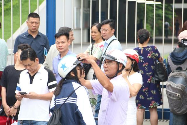 Hà Nội: Ngày Chủ nhật nín thở của phụ huynh có con thi vào lớp 10 - 1
