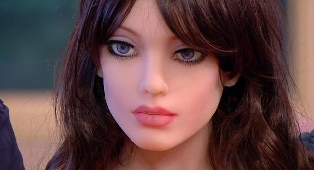 """Con người có thể """"yêu"""" robot tình dục vào năm 2050 - 1"""