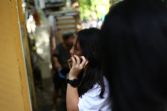 Hà Nội: Nhớ nhầm giờ, nữ sinh lỡ hẹn với bài thi Toán vào lớp 10 - 2