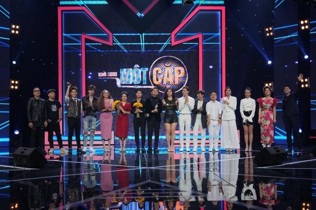 Nam MC VTV run run bật khóc trước Thu Phương - 14