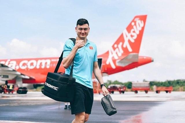 Văn Lâm khẳng định chưa ai chắc suất bắt chính ở đội tuyển Việt Nam - 1
