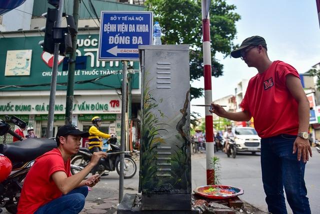 Gần 200 bốt điện ở Hà Nội biến hình đẹp như tranh - 2