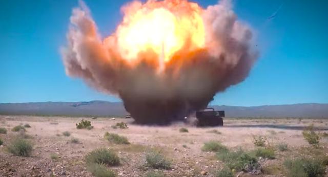 Video F-16 của Mỹ thử nghiệm siêu bom thông minh GBU-39  - 1