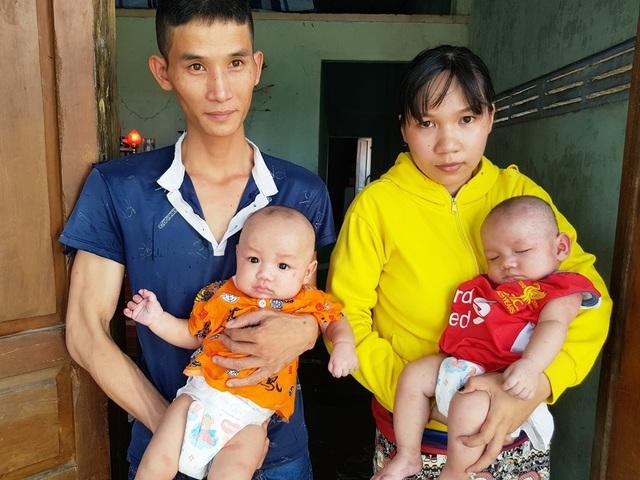 Xót xa 2 bé trai sinh đôi hơn 5 tháng tuổi bị đủ thứ bệnh hành hạ - 5