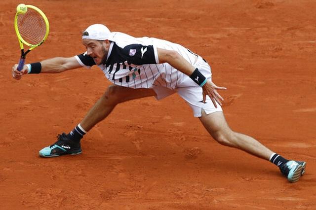 """Roland Garros 2019: Djokovic vào tứ kết """"không đổ mồ hôi"""" - 2"""