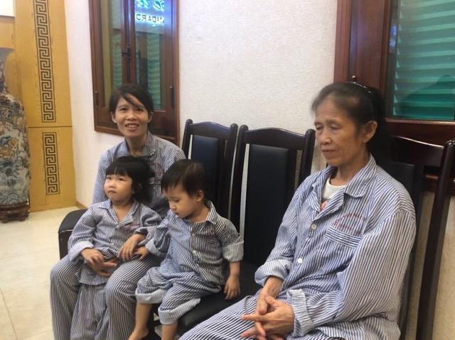 Hai chị em có nguy cơ mù vĩnh viễn được chuyên gia nhãn khoa Mỹ hội chẩn - 4