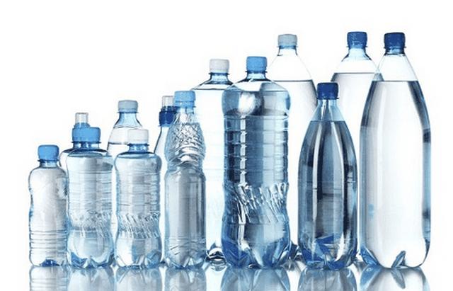 Không thanh toán khoản chi nước đóng chai nhựa để bảo vệ môi trường? - 1