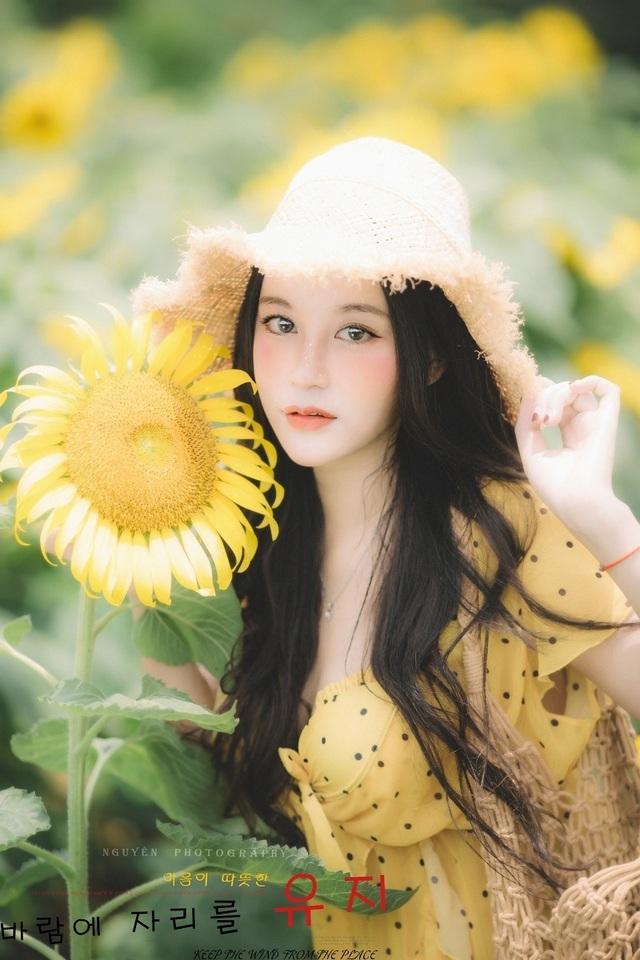 Hot girl ĐH Thương mại gây thương nhớ với bộ ảnh bên hoa hướng dương - 2