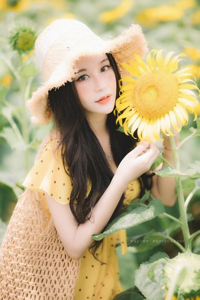 Hot girl ĐH Thương mại gây thương nhớ với bộ ảnh bên hoa hướng dương - 6