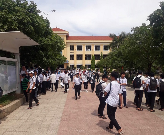 Thi lớp 10 tại Quảng Bình: Xôn xao đề Văn giống hệt đề thi học kỳ 2 - 2