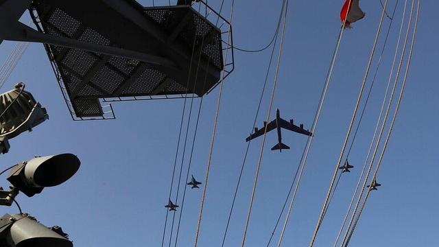 B-52, tàu sân bay Mỹ tập trận mô phỏng tấn công sát Iran - 5