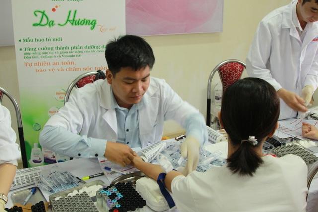 Khám sức khoẻ sinh sản miễn phí cho gần 1.000 Nữ công nhân - 2