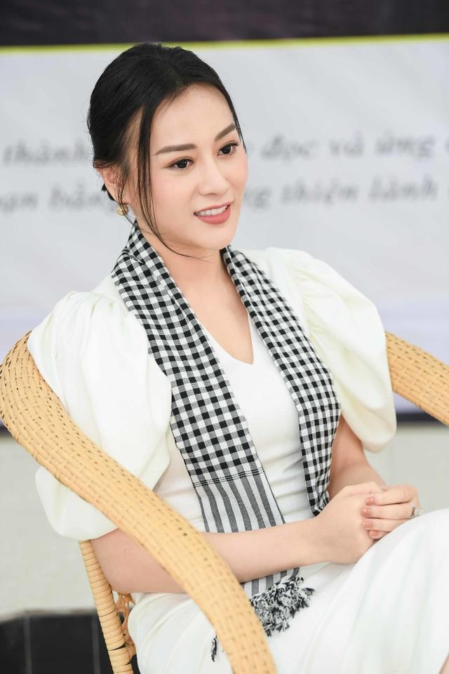 """Bảo Thanh Về nhà đi con tiết lộ từng giành Á khôi dù """"thấp, đen và xấu"""" - 4"""