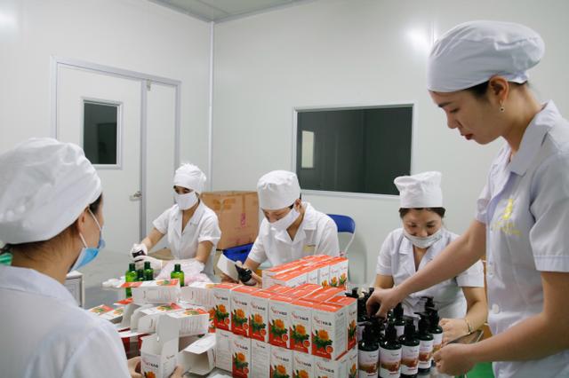 """Dược sĩ Mai Hải Yến: Từ đam mê với dược liệu đến người """"cải lão hoàn đồng"""" cho mái tóc thưa, mỏng - 4"""