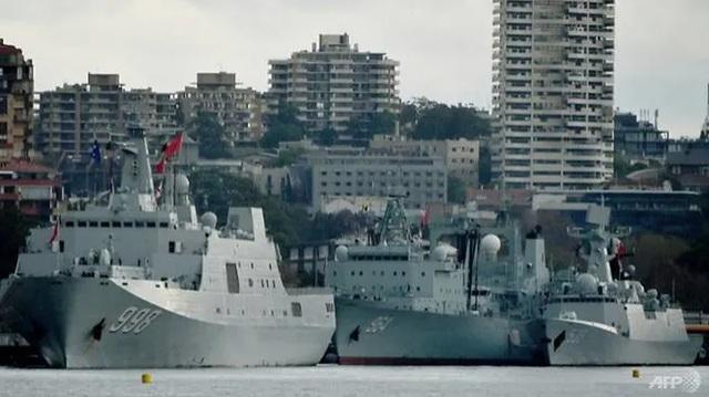 Người Australia giật mình vì 3 tàu chiến Trung Quốc xuất hiện tại cảng Sydney - 1