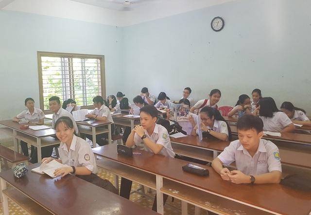 Hôm nay, hơn 13.500 học sinh Khánh Hòa thi vào lớp 10 THPT công lập - 3
