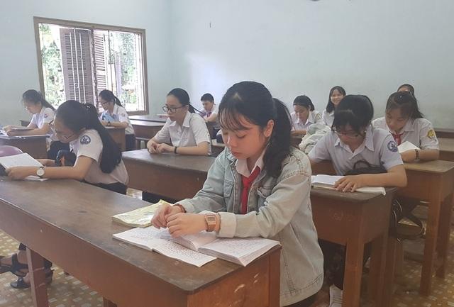 Hôm nay, hơn 13.500 học sinh Khánh Hòa thi vào lớp 10 THPT công lập - 4
