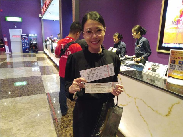 Người dân Thái Lan trật tự xếp hàng mua vé xem King's Cup - 6