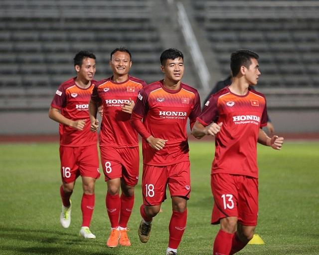 Quang Hải, Công Phượng cười tươi rói chờ đấu Thái Lan - 3