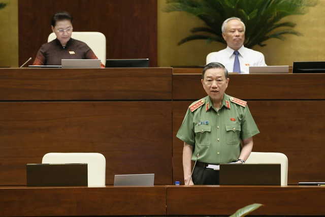 Bộ trưởng Tô Lâm nói về hiện tượng người Trung Quốc núp bóng dân Việt mua đất - 1