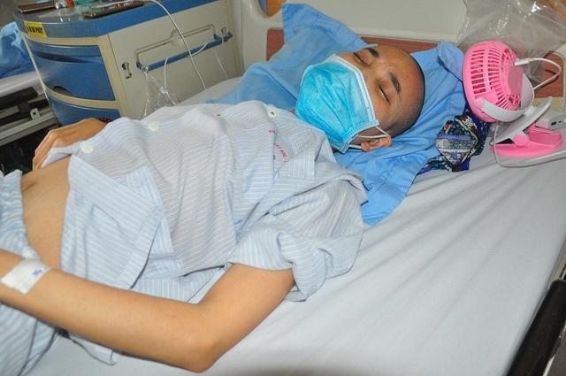 Nghẹn đắng nỗi đau của người mẹ ung thư khóc cạn nước mắt chỉ mong có 1,4 triệu đồng nuôi con - 7